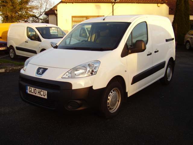 10(10) PEUGEOT PARTNER 8505 HDi £3,975.00 2 owners 94,000 miles